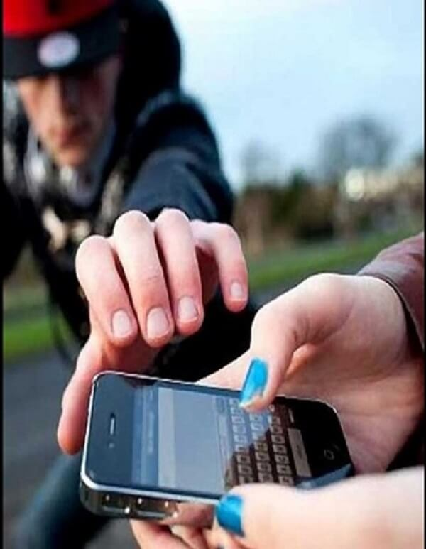 Beware of the mobile snatchers