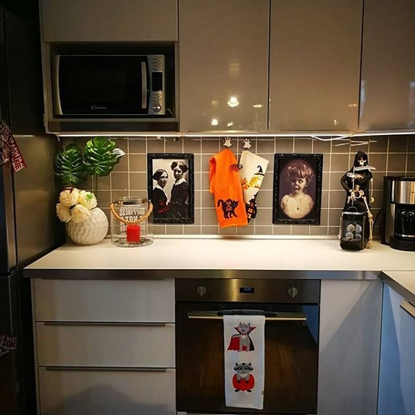 Goofy kitchen
